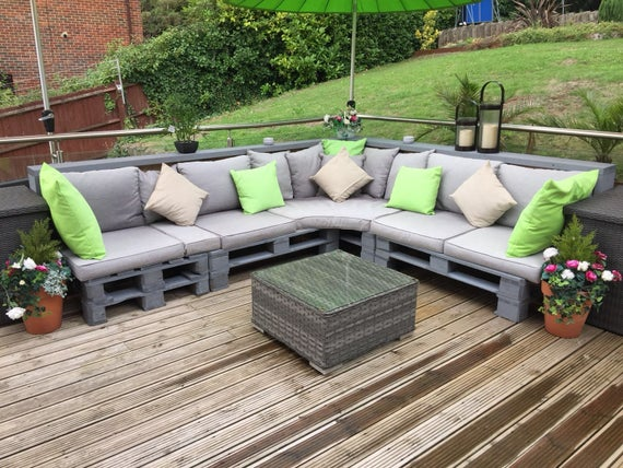 Garden Furniture - Adding a Unique Touch to Your Garden